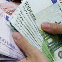 Pinigų skolinimo pasiūlymas tarp individualių
